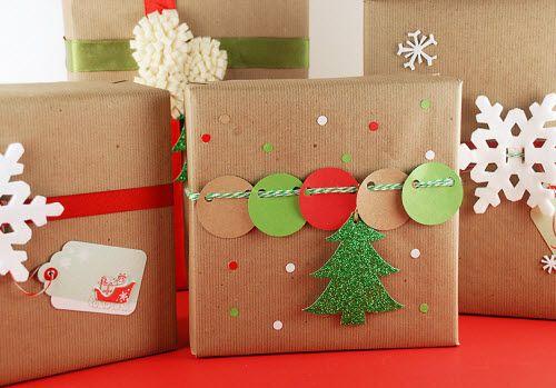 упаковка новогоднего подарка конфетти